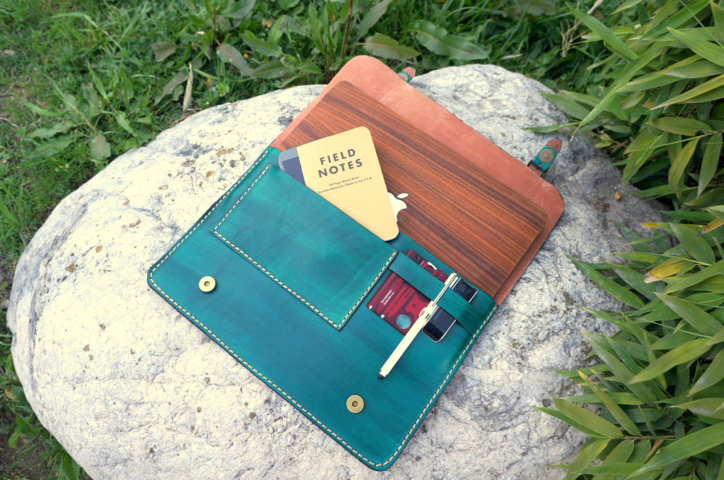 Green leather macbook sleeve by GalenLeather
