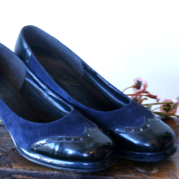 1950'S SWING WINGTIP NAVY BLUE SUEDE 9 from Juniper & Lane