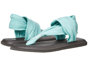 Comfortable and stylish poolside footwear: Sanuk Yoga Sling 2 Flip Flop - bit.ly/1MhjyYu