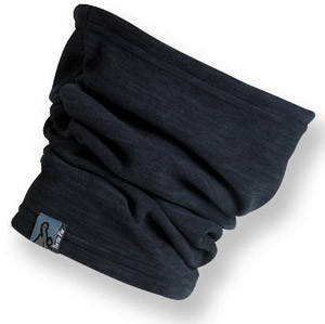 Stylish Travel Girl's Holiday Gift List: Turtle Fur Neck Gaiter || http://bit.ly/1MQB2Ip