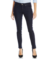 Sierra Snow Outfit on Stylish Travel Girl: Calvin Klein Jeans Women's Curvy Skinny-Leg Jean